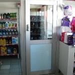 shell-shop-commercial-door-002