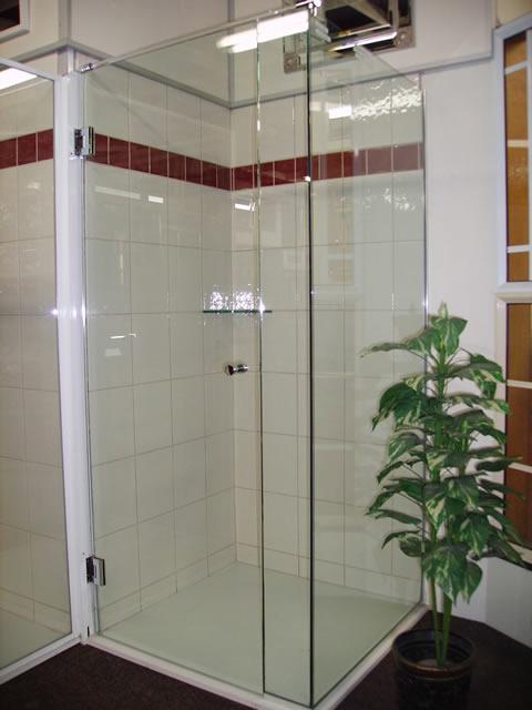 Frameless 6mm Toughened Shower Screen
